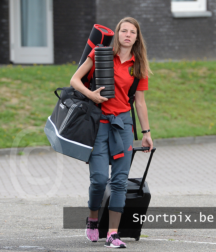 20170725 - TILBURG , NETHERLANDS :  Belgian Nicky Van Den Abbeele pictured going back to Belgium as the Belgian national women's soccer team Red Flames was not able to qualify for the quarter finals after a loss against The Netherlands , on Tuesday 25 July 2017 in Tilburg . The Red Flames finished on 3 th place in Group A at the Women's European Championship 2017 in the Netherlands. PHOTO SPORTPIX.BE | DAVID CATRY