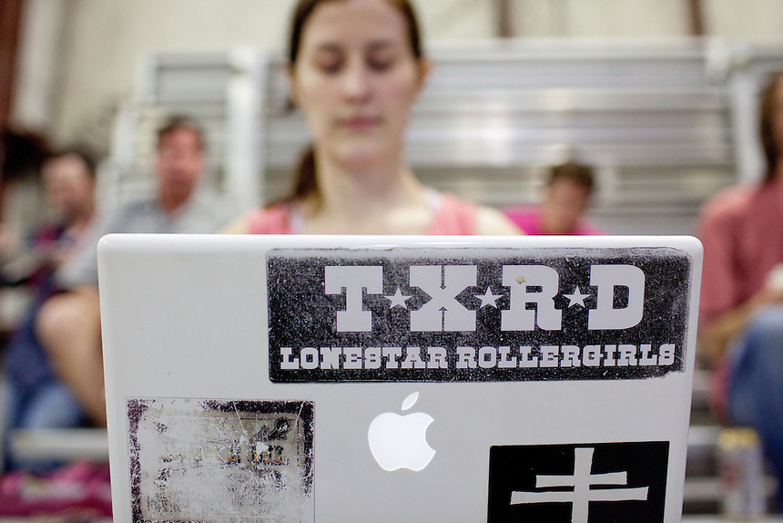 Detail of a TXRD sticker on a laptop.