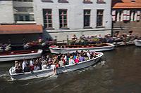 Belgique, Flandre Occidentale, Bruges, centre historique classé Patrimoine Mondial de l'UNESCO, quai Dijver,  //  Belgium, Western Flanders, Bruges, historical centre listed as World Heritage by UNESCO, Dijver quay,