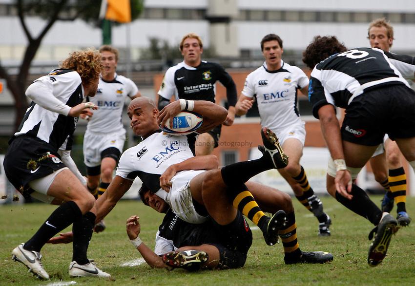 Photo: Richard Lane/Richard Lane Photography. Rugby Roma v London Wasps. Amlin Challenge Cup. 17/10/2009.   Wasps' Tom Varndell is tackled.