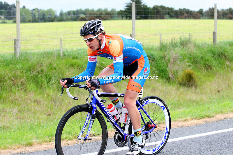 In stage Two of the Tour of Southland, Invercargill, New Zealand, Tuesday, November 05, 2013. Photo: Dianne Manson / NINZ