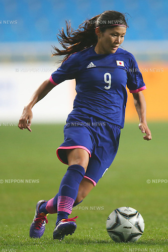 Nahomi Kawasumi (JPN),<br /> SEPTEMBER 29, 2014 - Football / Soccer : <br /> Women's Semi-Final <br /> between Japan Women's 3-0 Vietnam Women's <br /> at Inchoen football stadium <br /> during the 2014 Incheon Asian Games in Incheon, South Korea. <br /> (Photo by Shingo Ito/AFLO SPORT)