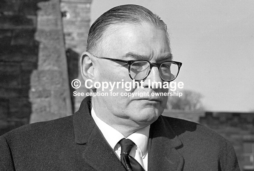 Sir Knox Cunningham, Ulster Unionist, MP, South Antrim, UK Parliament, QC, 196802000097b<br />