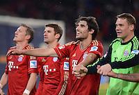 FUSSBALL   1. BUNDESLIGA  SAISON 2012/2013   19. Spieltag   VfB Stuttgart  - FC Bayern Muenchen      27.01.2013 Schlussjubel FC Bayern Muenchen; Javi Martinez (Mitte)