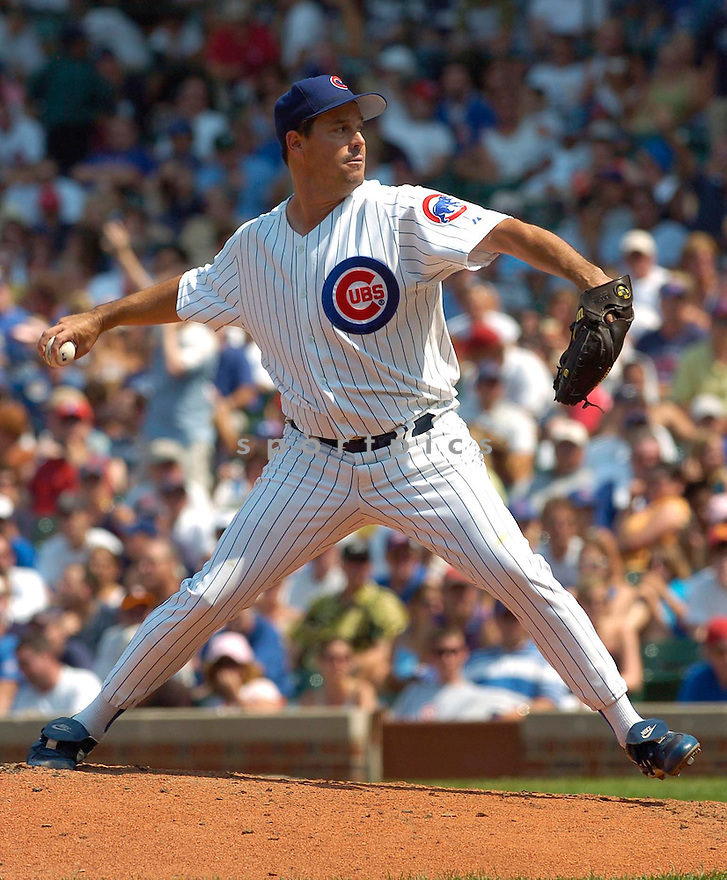 Greg Maddux, of the the Chicago Cubs, in action againts thier game againt the Arizona Diamondbacks on July 29, 2005...David Durochik / SportPics
