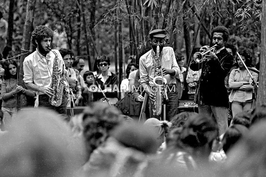 Show de música no Parque do Morumbi. São Paulo. 1976. Foto de Juca Martins.