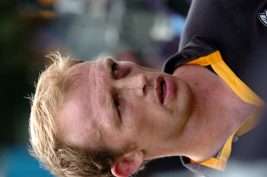 Photo: Richard Lane..London Wasps v Sale Sharks. Zurich Premiership. 11/09/2004..Matt Dawson.