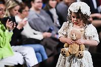 NOVA YORK, EUA, 09.02.2019 - MODA-EUA - Modelo durante desfile  da grife Elena Collection na semana da moda de New York  por Art Hearts Fashion NYFW na fundação do anjo Orensanz em Nova York nos Estados Unidos neste sábado, 09. (Foto: William Volcov/Brazil Photo Press)