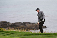 Jimmy Walker (USA) chips on to 8 during round 1 of the 2019 US Open, Pebble Beach Golf Links, Monterrey, California, USA. 6/13/2019.<br /> Picture: Golffile | Ken Murray<br /> <br /> All photo usage must carry mandatory copyright credit (© Golffile | Ken Murray)