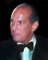 Oscar De La Renta 1982 <br /> Photo By John Barrett/PHOTOlink