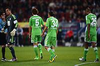 FUSSBALL   1. BUNDESLIGA  SAISON 2012/2013   3. Spieltag FC Augsburg - VfL Wolfsburg           14.09.2012 Torwart Diego Benaglio, Emanuel Pogatetz, Ricardo Rodriguez, Naldo (v. li., VfL Wolfsburg)