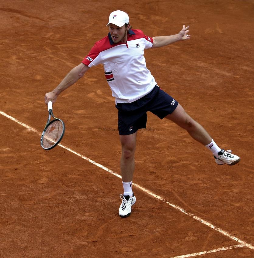 Photo. Richard Lane. .Roland Garros 2002, French Open Tennis. 27/5/2002.Julien Varlet of France