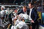 Stockholm 2014-01-18 Ishockey SHL AIK - F&auml;rjestads BK :  <br /> F&auml;rjestads tr&auml;nare Leif Carlsson i aktion i b&aring;set med spelare F&auml;rjestads Oliver Kylington <br /> (Foto: Kenta J&ouml;nsson) Nyckelord:  tr&auml;nare manager coach