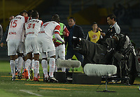 BOGOTÁ -COLOMBIA, 18-01-2015. Jugadores de Cortulua celebran un gol anotado al Deportivo Pereira durante partido por la fecha 2 de los cuadrangulares de ascenso Liga Aguila 2015 jugado en el estadio El Campín de la ciudad de Bogotá./ Players of Cortulua celebrate a goal scored to Deportivo Pereira during match for the second date of the promotional quadrangular Aguila League 2015 played at El Campin stadium in Bogotá city. Photo: VizzorImage/ Gabriel Aponte / Staff