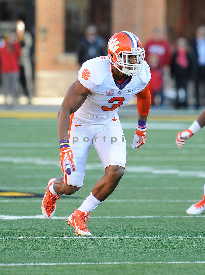 Clemson Tigers Vic Beasley (3) during a game against the Maryland Terrapins on October 26, 2013 at Byrd Stadium in College Park, MD. Clemson beat Maryland 40-20.