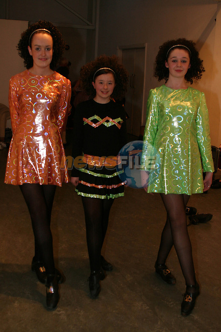 Eire Coogan, Aisling Nally and Aoife Downes from the Lolo Robinson School of Irish Dancing at  'Dance by the Boyne' in the Droichead Arts Centre...Photo NEWSFILE/Jenny Matthews.(Photo credit should read Jenny Matthews/NEWSFILE)....This Picture has been sent you under the condtions enclosed by:.Newsfile Ltd..The Studio,.Millmount Abbey,.Drogheda,.Co Meath..Ireland..Tel: +353(0)41-9871240.Fax: +353(0)41-9871260.GSM: +353(0)86-2500958.email: pictures@newsfile.ie.www.newsfile.ie.FTP: 193.120.102.198.