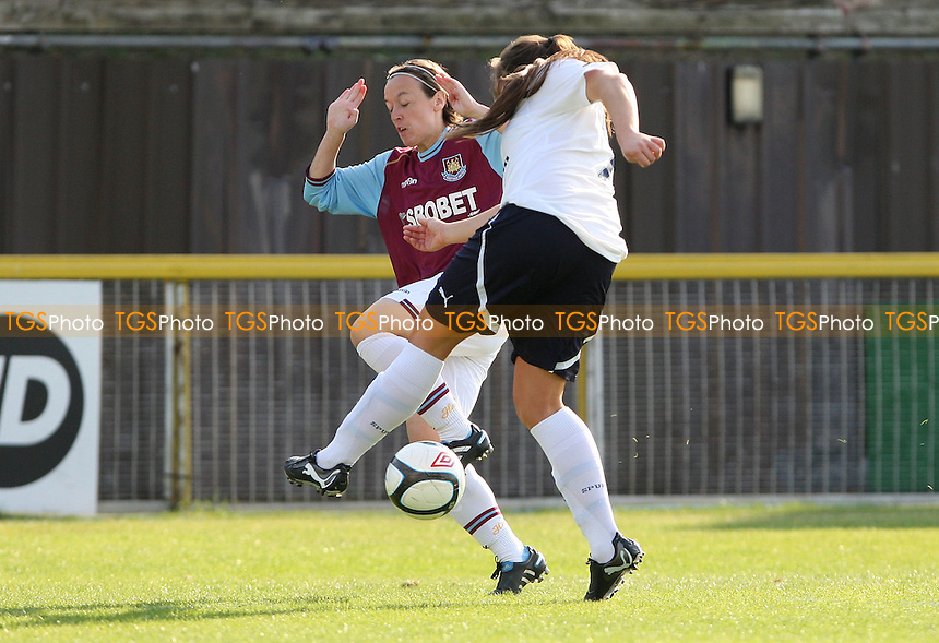 Tracey Duxbury of West Ham in action - West Ham United Ladies vs Tottenham Hotspur Ladies,  Womens Premier League Southern Division at Thurrock FC, Thurrock - 23/10/11 - MANDATORY CREDIT: Rob Newell/TGSPHOTO - Self billing applies where appropriate - 0845 094 6026 - contact@tgsphoto.co.uk - NO UNPAID USE.