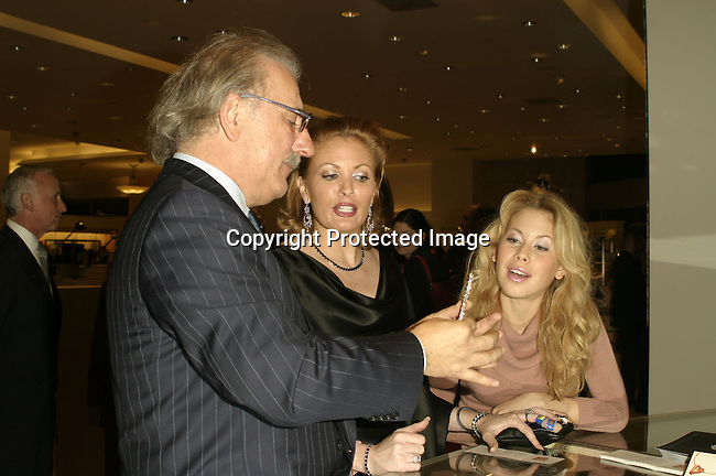 Roberto Coin , Kim Webster &amp; Tara Lipinski <br />
