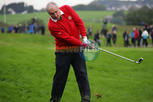 Welsh rugby star Gareth Edwards during Practice Day 2 at the 2010 Ryder Cup at the Celtic Manor Twenty Ten Course, Newport, Wales, 29th September 2010..(Picture Eoin Clarke/www.golffile.ie)