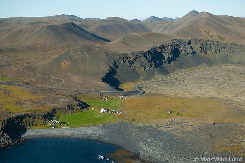 Ísólfsskáli séð til norðausturs, Grindavík,  Grindavíkurhreppur   Isolfsskáli viewing northeast, Grindavikurhreppur