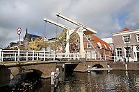 Oudegracht met ophaalbrug in Alkmaar