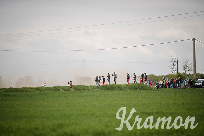 enjoying the racing over the Breton gravel roads<br /> <br /> 36th TRO BRO LEON 2019 (FRA)<br /> One day race from Plouguerneau to Lannilis (205km)<br /> <br /> ©kramon