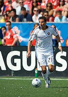 06 June 2009: Los Angeles Galaxy forward Alan Gordon #21 in MLS action at BMO Field Toronto in a game between LA Galaxy and Toronto FC. .The Galaxy  won 2-1.