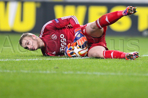26.02.2015. Warsaw, Poland. Europa League football. Legia Warsaw versus Ajax.  Jasper Cillessen (Ajax)  makes a save low down
