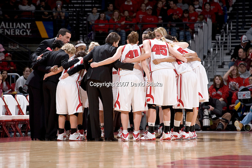 MADISON, WI - JANUARY 28: The Wisconsin Badgers huddle prior to the game against the Minnesota Golden Gophers at the Kohl Center on January 28, 2007 in Madison, Wisconsin. The Badgers beat the Golden Gophers 70-57. (Photo by David Stluka)