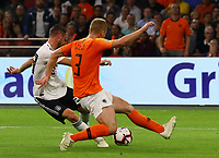 Mark Uth (Deutschland Germany) zieht ab gegen Matthijs de Ligt (Niederlande, Netherlands) - 13.10.2018: Niederlande vs. Deutschland, 3. Spieltag UEFA Nations League, Johann Cruijff Arena Amsterdam, DISCLAIMER: DFB regulations prohibit any use of photographs as image sequences and/or quasi-video.