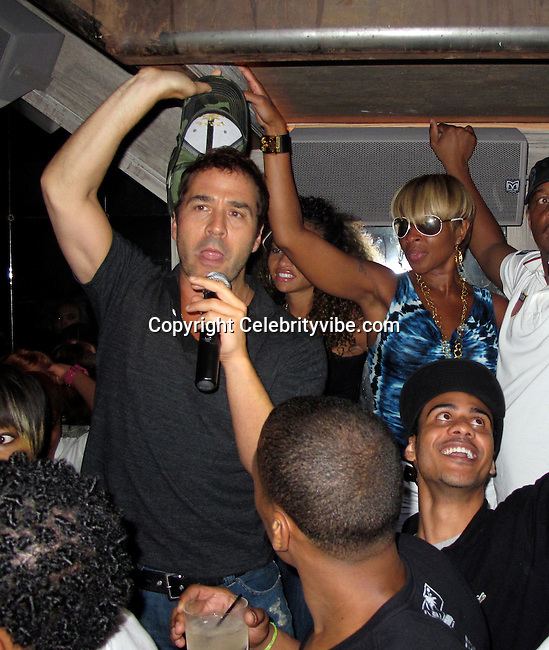 **EXCLUSIVE**.Jeremy Pivens and Mary J. Blige..LeBron James celebrating his Free Agent Status with his celebrity friends..Avenue Nightclub..New York, NY, USA..Thursday, June 24, 2010..Photo By iSnaper App/ CelebrityVibe.com.To license this image please call (212) 410 5354; or Email: CelebrityVibe@gmail.com ; .website: www.CelebrityVibe.com.