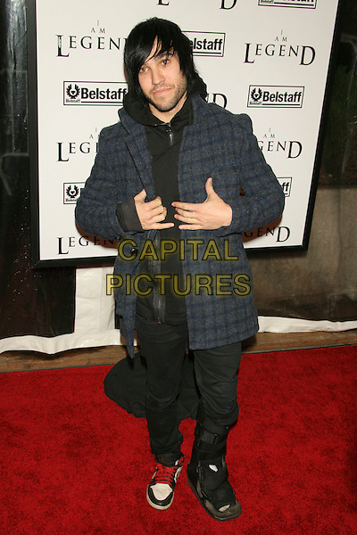"""PETE WENTZ - FALL OUT BOY.New York Premiere of """"I Am Legend"""" at Madison Square Gardens, New York, NY, USA..December 11th, 2007.full length blue tweed fleece checkered jacket coat hands.CAP/LNC/TOM.© TOM/LNC/Capital Pictures"""