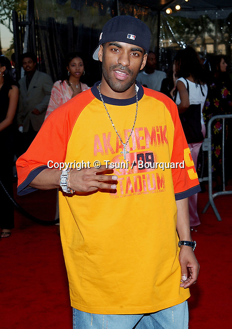 DJ Clue arriving at the 16th Annual Soul Train Music Awards at the L.A. memorial Coleseum & Sport Arena in Los Angeles. March 20, 2002.           -            DJclue01.jpg