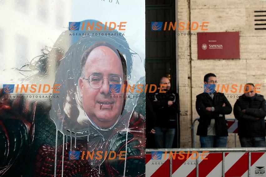 Egenio Gaudio, neo eletto rettore, dipinto come Dracula<br /> Roma 30-10-2014 Universita' la Sapienza. Protesta degli studenti durante l'insediamento del nuovo rettore.<br /> Photo Samantha Zucchi Insidefoto