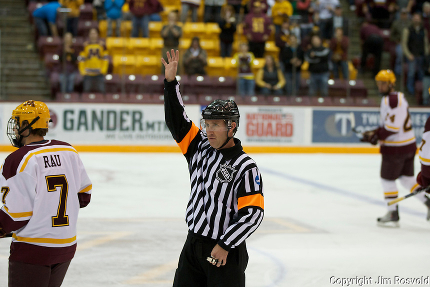 21 Oct 11: Brian Thul (WCHA Referee) The University of Minnesota Golden Gophers host the University of Vermont Catamounts in a non-conference matchup at Mariucci Arena in Minneapolis, MN.