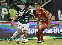 PALMIRA - COLOMBIA, 20-11-2019: Juan Ignacio Dinenno del Cali disputa el balón con Carlos Sierra de America durante partido entre Deportivo Cali y América de Cali por la fecha 4, cuadrangulares semifinales, de la Liga Águila II 2019 jugado en el estadio Deportivo Cali de la ciudad de Palmira. / Juan Ignacio Dinenno of Cali vies for the ball with Carlos Sierra of America during match between Deportivo Cali and America de Cali for the date 4, quadrangulars semifinals, as part of Aguila League II 2019 played at Deportivo Cali stadium in Palmira city. Photo: VizzorImage / Gabriel Aponte / Staff