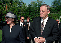 Jean Chretien au Funerailles du senateur Rizutto, le 7 aout 1997,  a L'eglise Saint-Jean-Goualbert a Laval-sur-le-lac.<br /> <br /> PHOTO :  Agence Quebec Presse<br /> <br /> Les images commandees seront recadrees lorsque requis