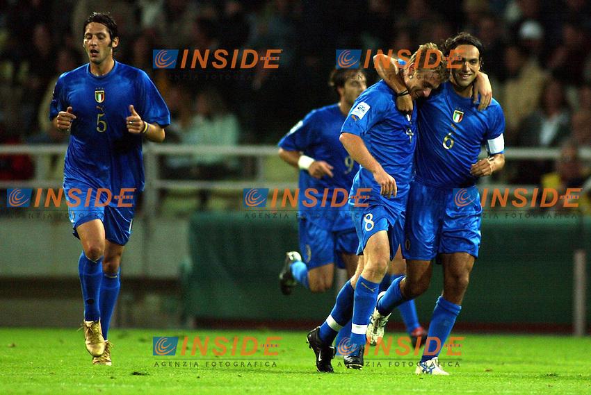 Parma 13/10/2004<br /> Italia-Bielorussia Qualificazioni Mondiali Calcio 2006<br /> Nella foto: La gioia di Alessandro Nesta e Daniele De Rossi.<br /> Ph Jay/Insidefoto