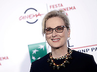 "L'attrice statunitense Meryl Streep posa durante un photocall per la presentazione del film ""Florence Foster Jenkins"" al Festival Internazionale del Film di Roma, 20 ottobre 2016.<br /> U.S. actress Meryl Streep poses for a photocall to present the movie ""Florence Foster Jenkins"" during the international Rome Film Festival at Rome's Auditorium, 20 October 2016.<br /> UPDATE IMAGES PRESS/Isabella Bonotto"