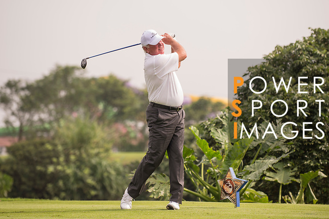 Mark O'Meara tees off during the World Celebrity Pro-Am 2016 Mission Hills China Golf Tournament on 23 October 2016, in Haikou, Hainan province, China. Photo by Marcio Machado / Power Sport Images