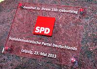 Enthüllung Gedenkstein mit Tafel zur Gründung der SPD vor 150 Jahren in Leipzig - im Bild: Tafel mit SPD Logo. Foto: Norman Rembarz
