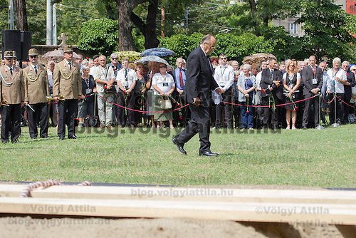 Hans-Dietrich Genscher former foreign minister of Germany walks in front of the tomb during the funeral of Gyula Horn former prime minister of Hungary in Budapest, Hungary on July 08, 2013. ATTILA VOLGYI