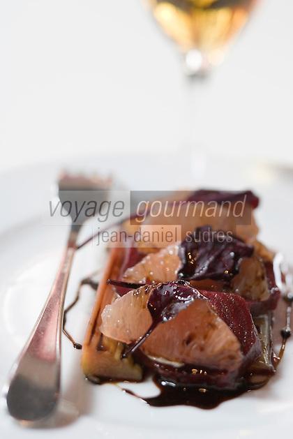 """Europe/France/Aquitaine/Gironde/Bordeaux: Salade de crabe à la gelée de tomate recette de Jean-Marie Amat restaurant le """"Café du Théâtre"""" pl. Pierre Renaudel"""