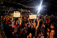 27th October 2019, Gottingen, Lower Saxony, Germany:  PDC European Championships; Final round; Fans watch the final between Price and Cross.