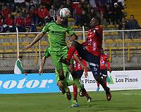 BOGOTA - COLOMBIA - 21 - 10 - 2017: Francisco Najera (Izq.) jugador de La Equidad disputa el balón con Juan Caicedo (Der.) jugador del iIndependiente Medellín, durante partido entre La Equidad y el Indeendiente Medellín,  por la fecha 16 de la Liga Aguila II-2017, jugado en el estadio Metropolitano de Techo de la ciudad de Bogota. / Francisco Najera (L) player of La Equidad vies for the ball with Juan Caicedo (R) player of Independiente Medellin, during a match between La Equidad and Indepndiente Medellin, for the  date 16nd of the Liga Aguila II-2017 at the Metropolitano de Techo Stadium in Bogota city, Photo: VizzorImage  /Felipe Caicedo / Staff.
