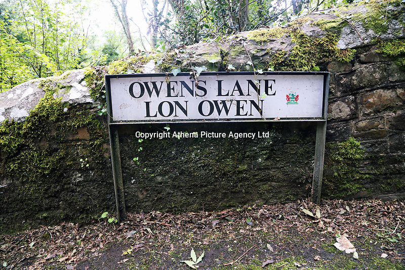 Pictured: Owens Lane, offthe nearby Graig Road where house had to be demolished decades ago. Thursday 31 August 2017<br /> Re: Home owners and tennants have been served to evacuation orders by Neath Port Talbot County Council over fears that a landslip has made their houses unsafe in Cyfyng Road, Ystalyfera, Wales, UK.