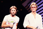 America 1980 Dewey Bunnell and Gerry Beckley on Midnight Special.© Chris Walter.