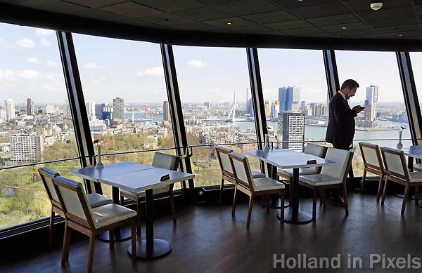 Nederland - Rotterdam - 26 maart 2018.  Restaurant in de Euromast.  Foto Berlinda van Dam / Hollandse Hoogte  Foto Berlinda van Dam / Hollandse Hoogte.