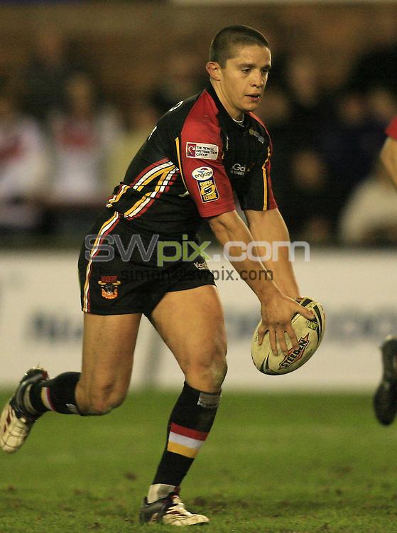 Pix: Chris Mangnall/SWpix.com, Rugby League Super League. 02/03/07. St. Helens Saints v Bradford Bulls.....picture copyright>>simon wilkinson>>07811267 706>>....Bradford's (7) Paul Deacon