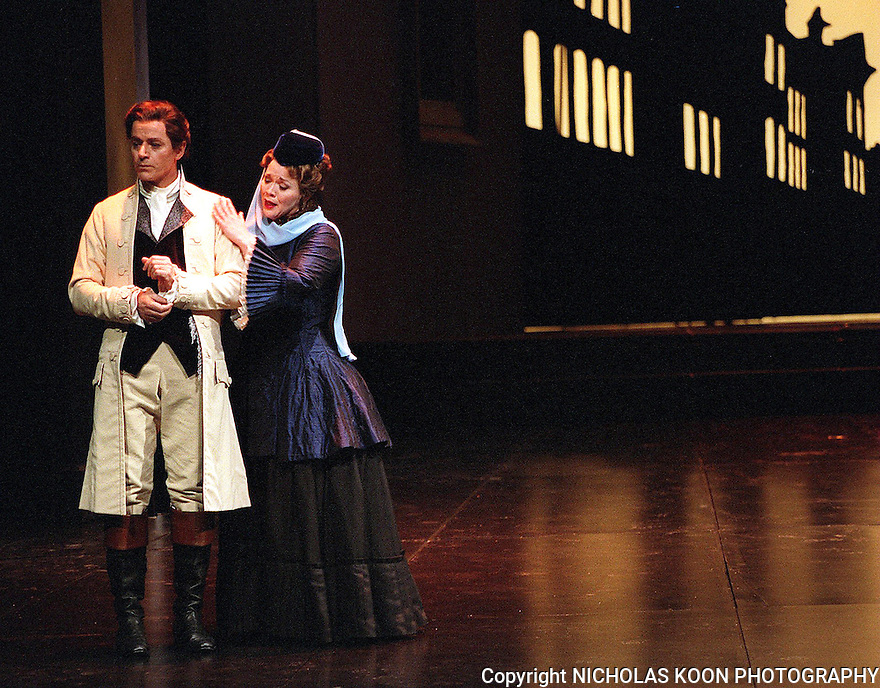 2002 - DON GIOVANNI - Donna Elvira (Pamela Armstrong) begs Don Giovanni (William Shimell) to reform his libertine ways in Opera Pacific's production of Don Giovanni.